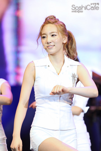 Taeyeon @ Twin Tower Live 2012 コンサート