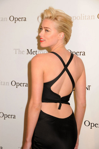 "The Metropolitan Opera premiere of Jules Massenet's ""Manon"" in NYC (March 26)"