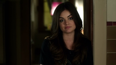 Lucy Hale 壁纸 possibly with a portrait entitled pll