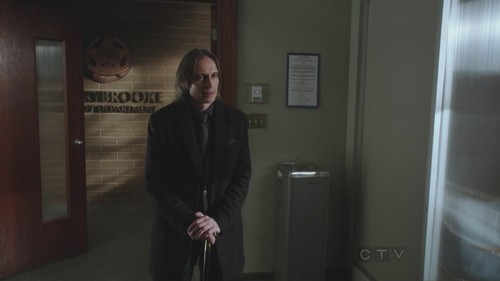 Rumpelstiltskin/Mr. Gold wallpaper probably containing a business suit and a living room entitled 1x17 - Hat Trick