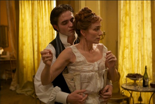 Bel Ami - robert-pattinson Photo