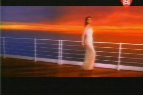"Celine Dion- Video Clip- ""My Heart Will Go On"" - celine-dion Screencap"