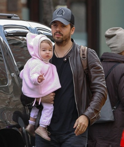 David Blaine images David Blaine with his Wife and Daughter wallpaper and background photos