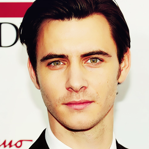 Harry Lloyd wallpaper containing a business suit entitled Harry