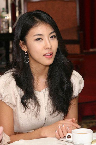 Lee Eun-ju (; November 16, 1980 – February 22, 2005)