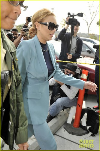 Lindsay Lohan: Probation Successfully Completed - lindsay-lohan Photo