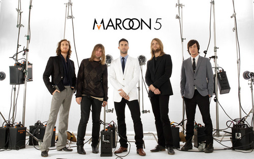 Maroon 5 wallpaper probably with a business suit and a concert called Maroon 5 <3