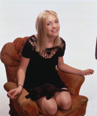 melissa joan hart fondo de pantalla probably containing bare legs, hosiery, and a hip boot called Melissa Joan Hart