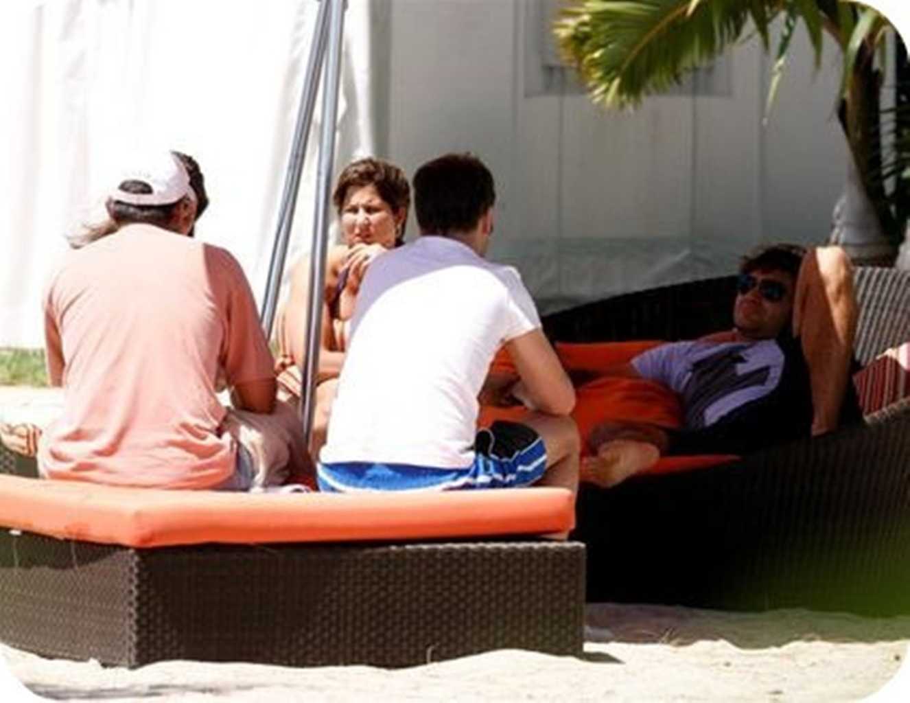 Mirka and Roger in beach..