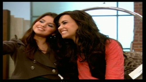 Princess Protection Program Premiere - selena-gomez-and-demi-lovato Photo