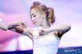 Taeyeon @ Twin Tower Live 2012 show, concerto