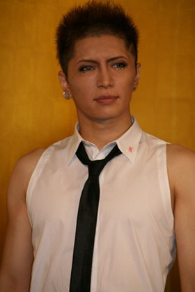 """YELLOW FRIED CHICKENz """"Pess Conference 2011"""" GACKT"""