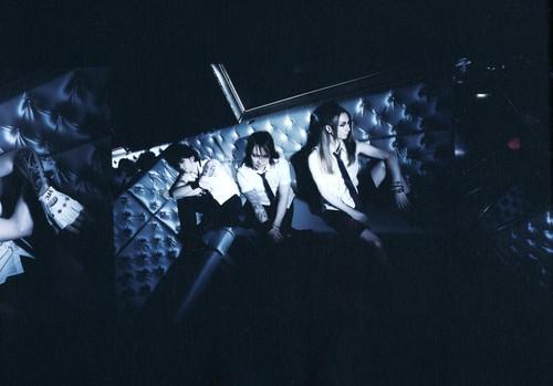 """YELLOW FRIED CHICKENz """"Photobook 2011"""""""