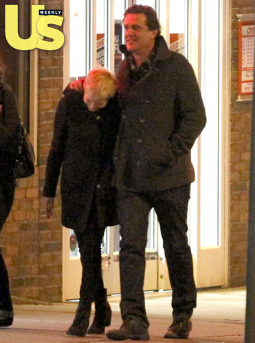 first picha of Michelle Williams & Jason Segel