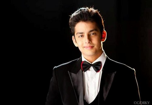 HUMSE HAI LIFE wallpaper probably containing a business suit and a suit entitled raghav!