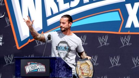 Resultados RAW #8 [El Cairo, Egipto] Wrestlemania-press-conference-cm-punk-30138526-450-253