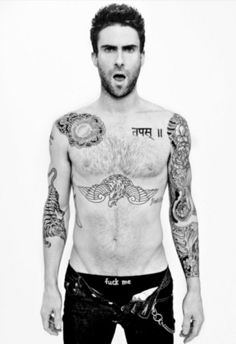 Adam Levine fondo de pantalla possibly with a six pack and a pedazo, hunk titled ^^