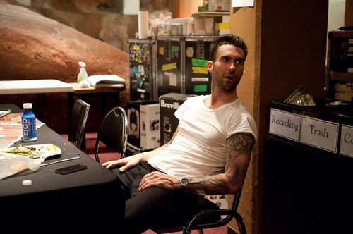 Adam Levine 바탕화면 probably with a sign and a 부엌, 주방 called Adam :)