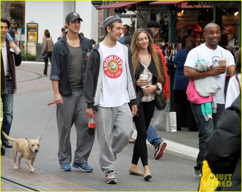 Alex Pettyfer: Shopping at The Grove