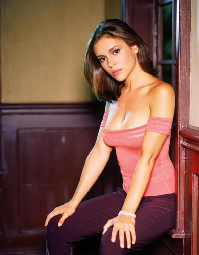 Alyssa Milano - Phoebe Halliwell - Charmed Season 2 - charmed Photo