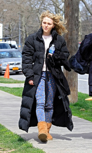 AnnaSophia - On set of 'The Carrie Diaries' - March 29th, 2012