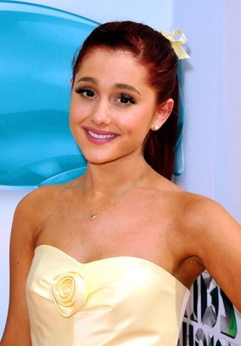 Ariana Grande arrives at the 2012 KCAs