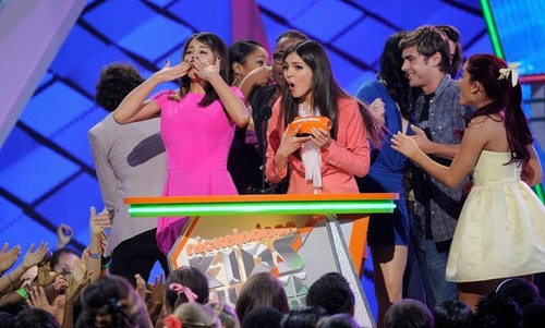 Ariana Grande at the 2012 KCAs award ceremony