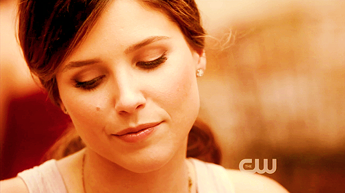Brooke Davis wallpaper containing a portrait entitled Brooke♡