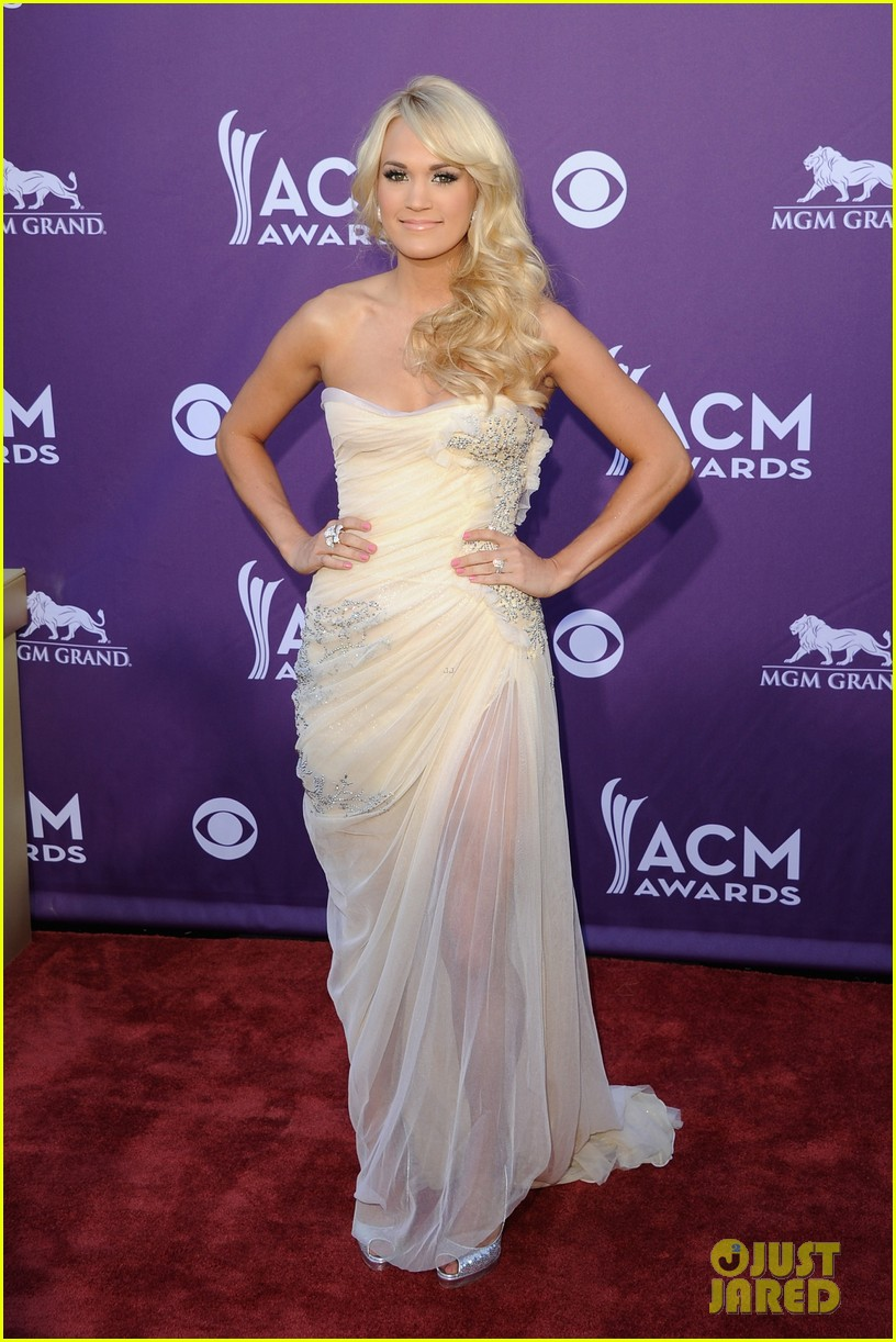 Carrie Underwood - ACM Awards 2012 Red Carpet - Carrie