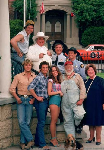 The Dukes Of Hazzard wallpaper with a street, a diner, and a carriageway titled Cast
