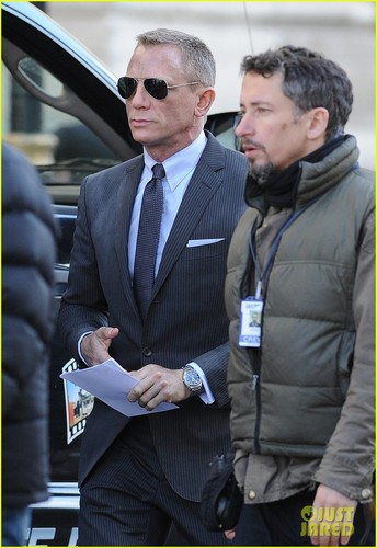 Daniel Craig: 'Skyfall' Set With Judi Dench!