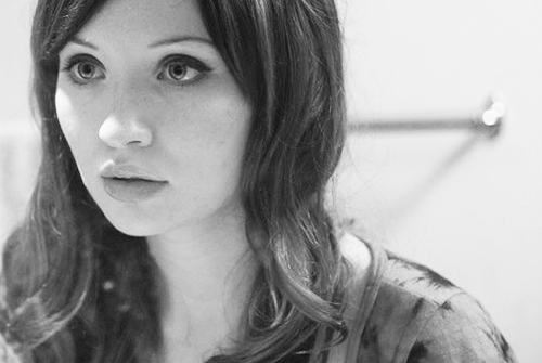 Emily Browning wallpaper containing a portrait entitled Emily <3