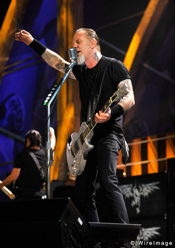 James Hetfield wallpaper containing a concert and a guitarist called James Hetfield