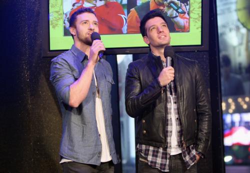 Justin Timberlake and JC Chasez wallpaper containing a sign titled Justin Timberlake and JC Chasez