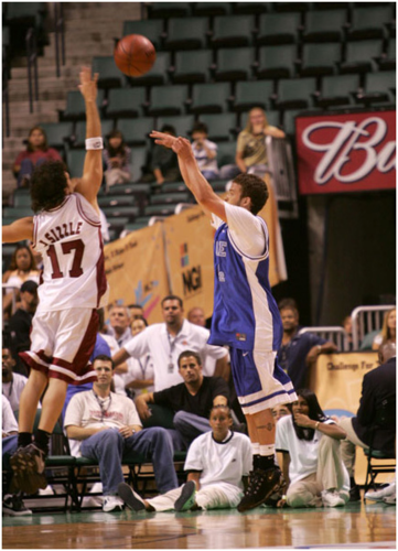 Justin Timberlake and JC Chasez wallpaper containing a basketball, a basketball player, and a dribbler titled Justin Timberlake and JC Chasez