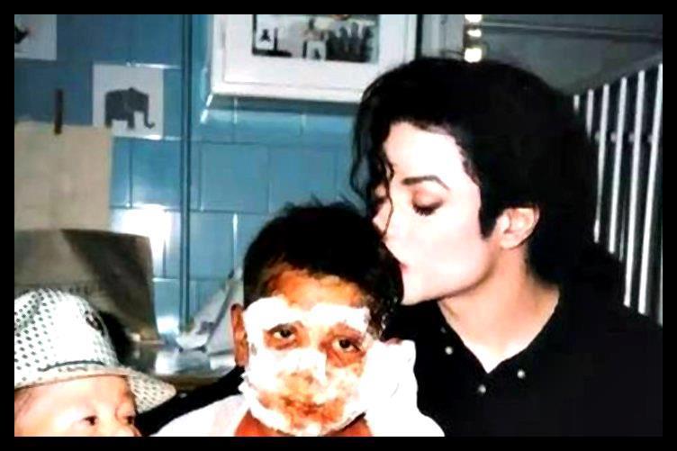 Mike... ( rare picture) ♥