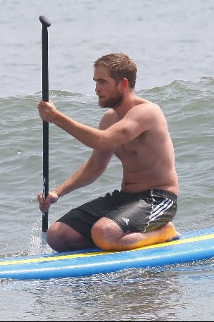 New Pictures of Rob in Malibu – March 30th - robert-pattinson Photo
