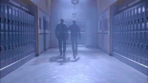 Холм одного дерева Обои containing a penal institution, a jail, and a cell called OTH - 9x11 - Danny Boy