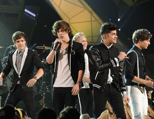 Kids Choice Awards 2012 wallpaper with a business suit and a concert entitled One Direction