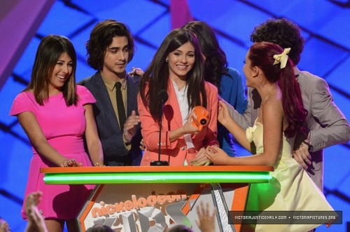 Proud of Victorious ♥♥ - victorious Photo