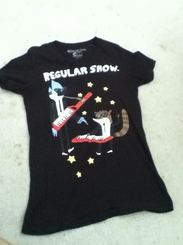 Regular hiển thị T-shirt