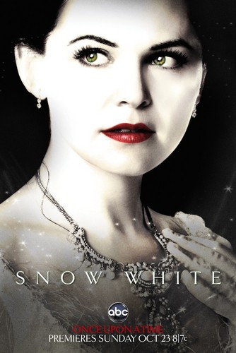 TV Female Characters wallpaper probably containing a portrait entitled Snow White