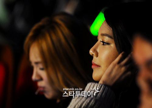 Sooyoung & Hyoyeon @ এক্সো First Showcase