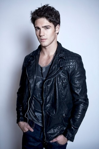 Steven R. McQueen wallpaper with a well dressed person called Steven Photoshoot