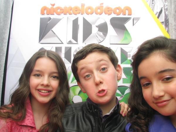 The Cast of Dora The Explorer at the KCA تصویر Booth