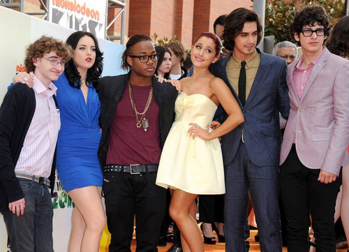 The matagumpay Cast at the Kids' Choice Awards 2012