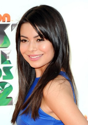 The iCarly cast arrives at the Kids' Choice Awards 2012
