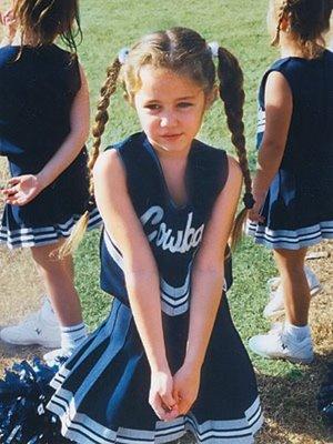 Miley Cyrus kertas dinding entitled miley cyrus de pequeña♥