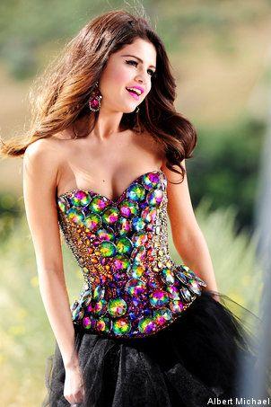 selenas amazing dimond dress