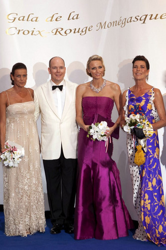 princess caroline and stephanie_Red cruzar, cruz Ball in Monaco